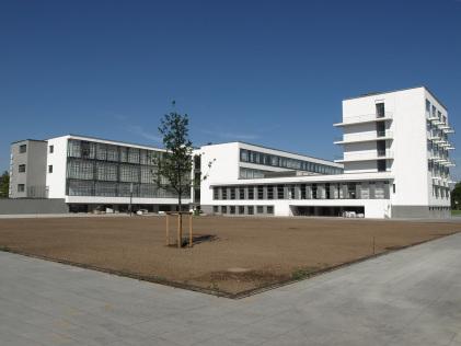 Eksturlecture arts architecture for Staatliches bauhaus