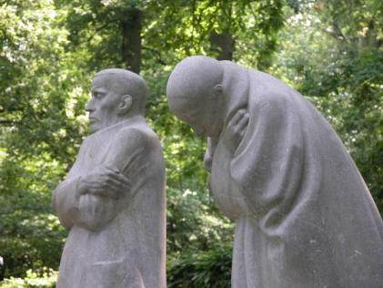 Grieving Parents by K.Kollwitz at Vladslo